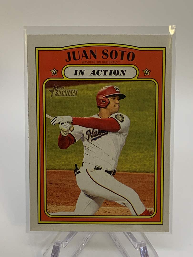 Lot # 53 2021 Topps Heritage JUAN SOTO In Action (main image)