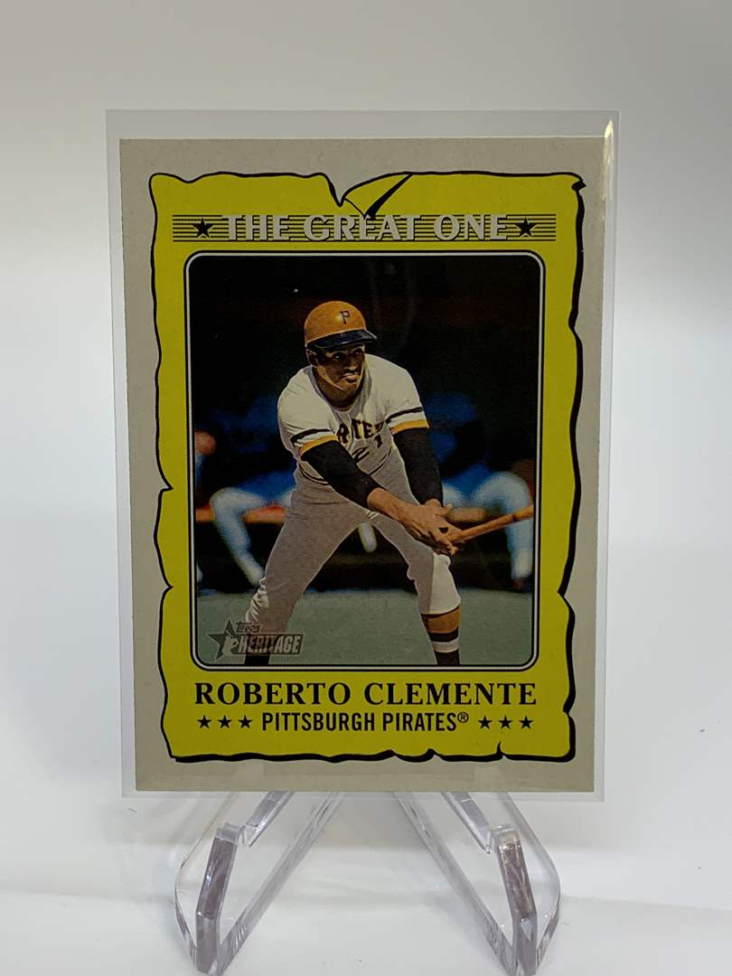 Lot # 63 2021 Topps Heritage ROBERTO CLEMENTE The Great One (main image)