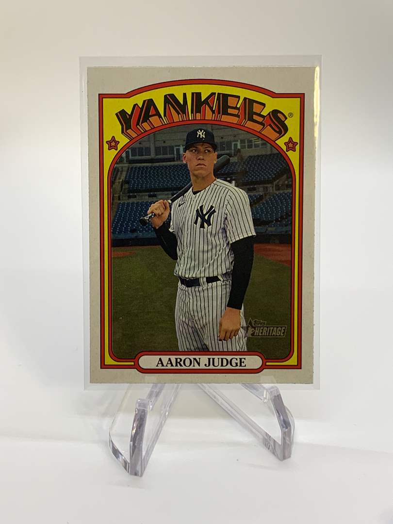 Lot # 75 2021 Topps Heritage AARON JUDGE (main image)