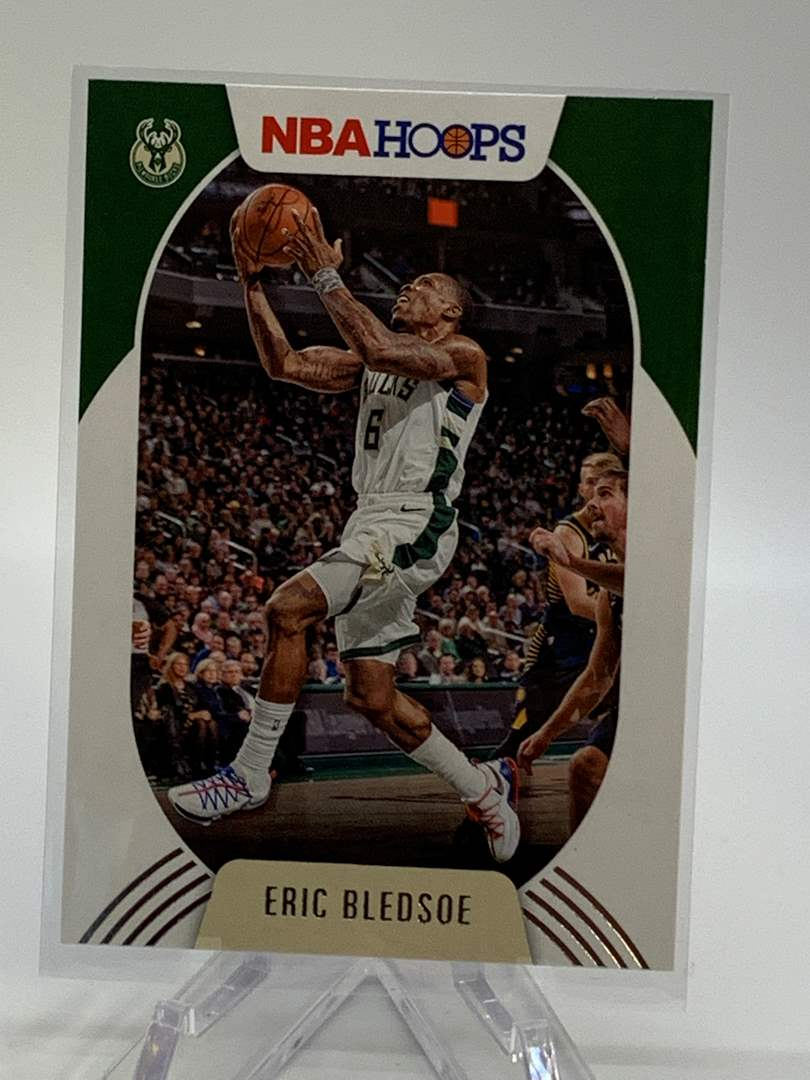 Lot # 121 2020-21 Panini NBA Hoops ERIC BLEDSOE (main image)