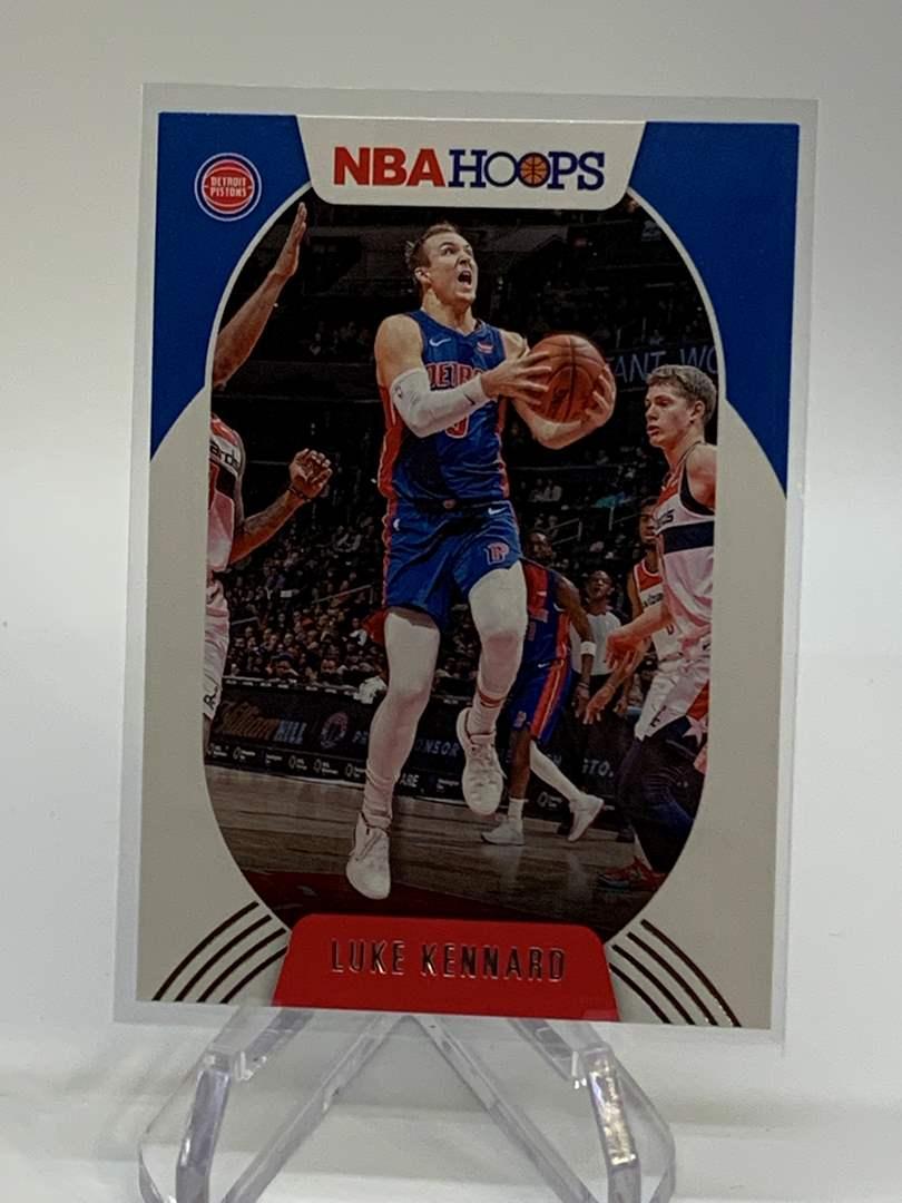 Lot # 133 2020-21 Panini NBA Hoops LUKE KENNARD (main image)