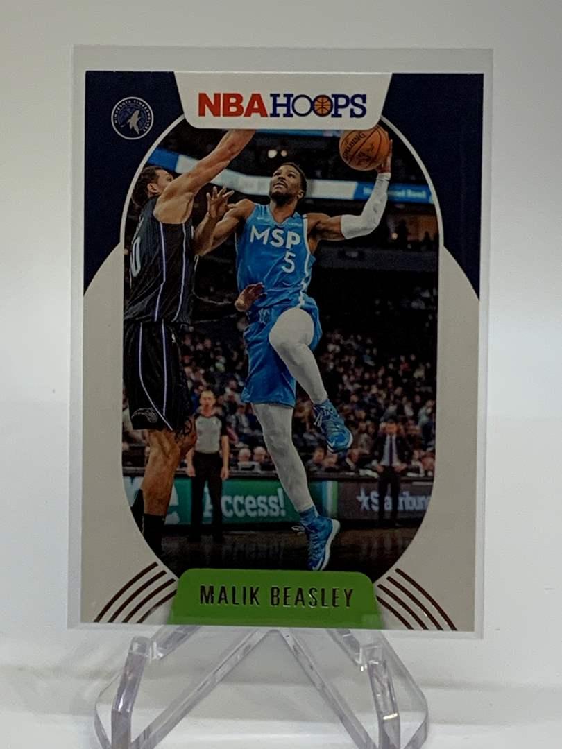 Lot # 135 2020-21 Panini NBA Hoops MALIK BEASLEY (main image)