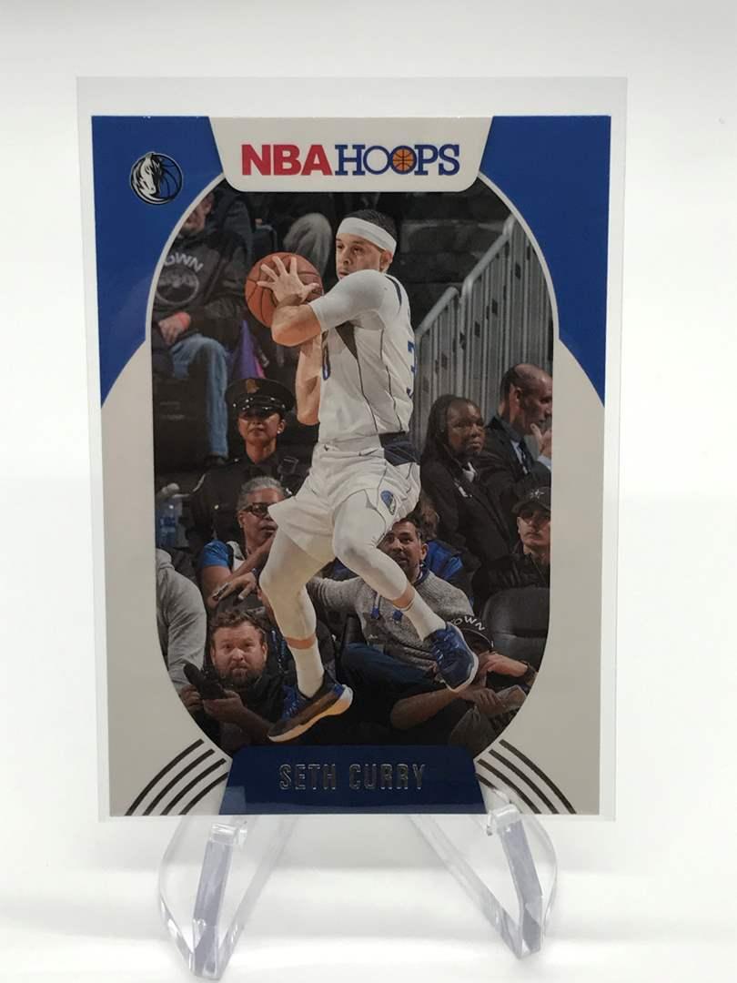 Lot # 184 2020-21 PANINI NBA HOOPS SETH CURRY (main image)