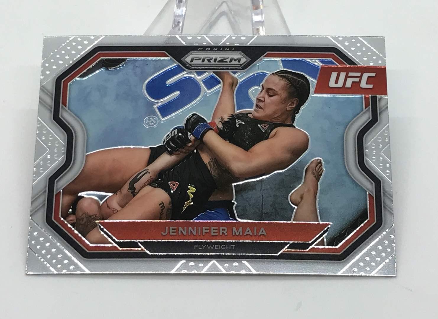 Lot # 196 2021 Panini Prizm UFC JENNIFER MAIA (main image)