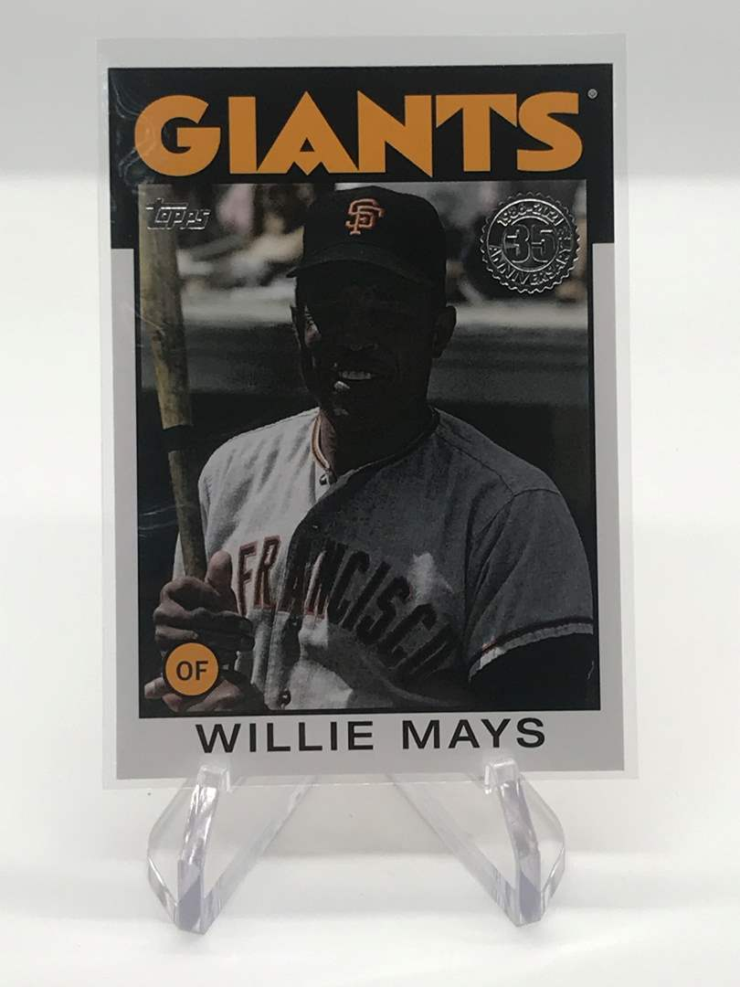 Lot # 198 2021 Topps WILLIE MAYS (main image)