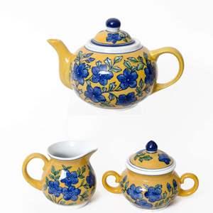April Cornell Tea Set