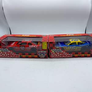 Lot # 32 Lot of 2 Racing Champions 1:24 Scale Die Cast Stock Car Replicas