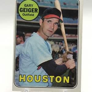 Lot # 293 1969 Topps GARY GEIGER