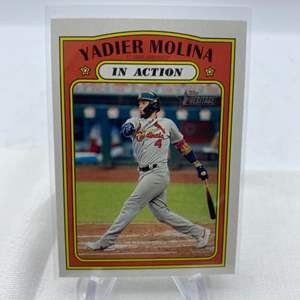 Lot # 119 2021 Topps Heritage YADIER MOLINA In Action