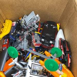 Lot # 20 Lot of Toys - Hot Wheels, Airplanes, etc