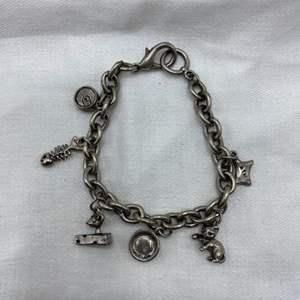 Lot # 52 Charm Bracelet (No Markings)