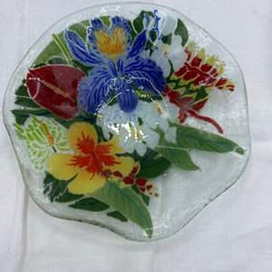 """Lot # 33 Peggy Karr Glass """"Tropical Floral Fluted Bowl"""""""