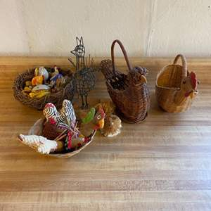 Lot # 9 Lot of Chicken Collectibles (Wicker, Wire Art by Stan Bennett, etc)