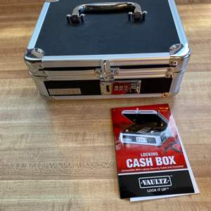 Lot # 91 Vaultz Cash Box with Set Combo