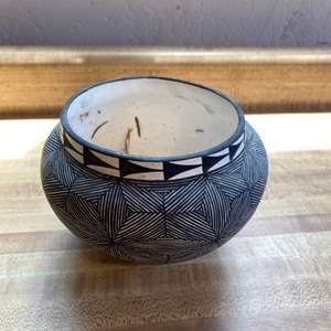 Lot # 94 Native American Pottery Vase