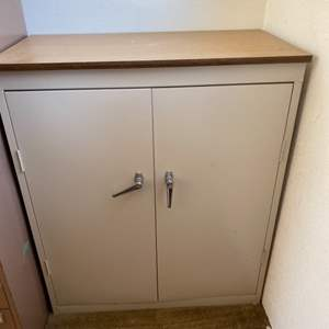 Lot # 102 Metal Storage Cabinet with Key