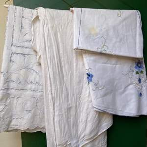 Lot # 115 Lot of Embroidered Linens