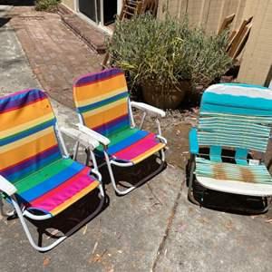 Lot # 118 Lot of Folding Beach Chairs