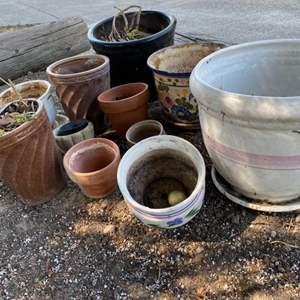 Lot # 120 Lot of Plant Pots