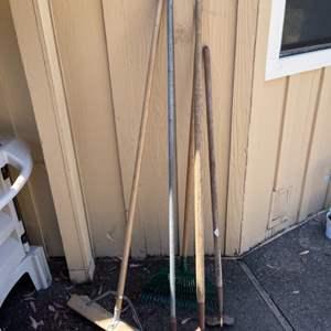 Lot # 162 Lot of Garden Tools