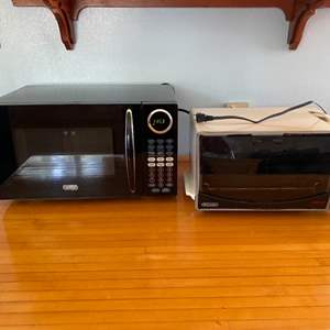 Lot # 184 Microwave and DeLonghi Convection Oven - Both Work