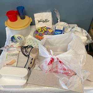 Lot # 18 Lot of Bathroom Items and Disposable Plates