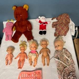 Lot # 26 Lot of Dolls and Stuffed Animals