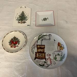 Lot # 51 Lot of Christmas Plates