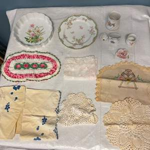 Lot # 76 Lot of Floral Tableware