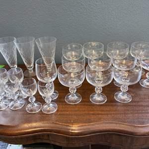Lot # 150 Lot of Wine Glasses