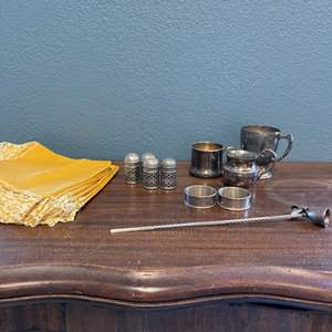 Lot # 174 Unmarked/Plated Silver and Yellow/Lace Placemats