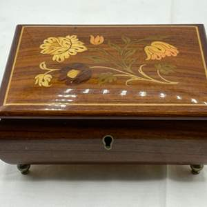 """Lot # 176 Sanyo """"Made In Italy"""" Wooden Musical Jewelry Box with Key - Works"""