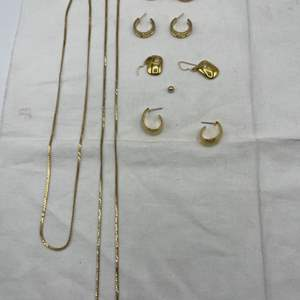 Lot # 260 Lot of Gold-Tone Jewelry
