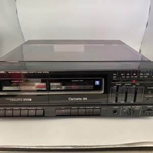 Lot # 24 Realistic AM/FM Stereo Dubbing Cassette Music System Powers On/Un-Tested