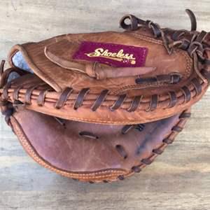 Lot # 57 Shoeless Joe 3000 Junior Series Catcher's Mitt