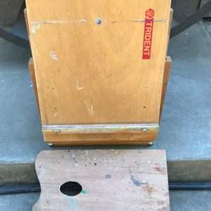 Lot # 65 Portable Wood Art Easel & Palette