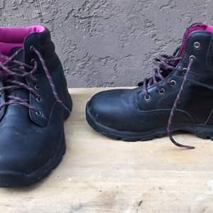 Lot # 81 Women's Brahma Boots Size 9