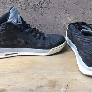 Lot # 82 Jordan Shoes Size 13