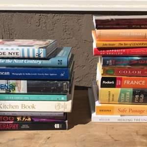 Lot # 86 Miscellaneous Book Lot