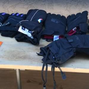 Lot # 95 Ski Gloves & Hand Warmer Lot