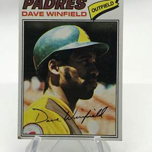 Lot # 162 1977 Topps DAVE WINFIELD