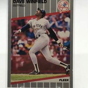 Lot # 167 1989 Fleer DAVE WINFIELD