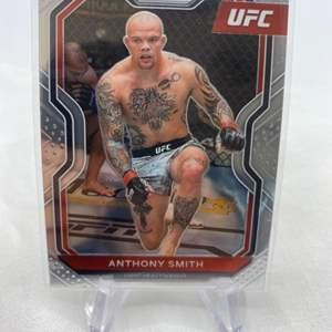 Lot # 130 2021 Panini Prizm UFC ANTHONY SMITH