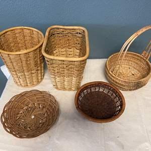 Lot # 16 Lot of Wicker Baskets