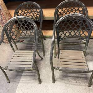 Lot # 19 Lot of Outdoor Metal Chairs