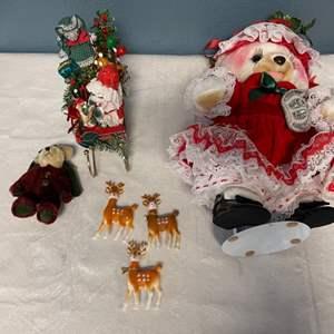 Lot # 32 Lot of Christmas Animal Decor