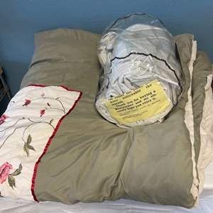 Lot # 50 Lot of Blankets (One Electric Un-Tested)