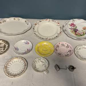 Lot # 87 Lot of Floral Tea Cups, Saucers, and Trays