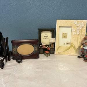 "Lot # 111 ""The Mardi Gras Clown Statue,"" Miniature Desk Picture Frame, Cheri Blum Collection Frame"