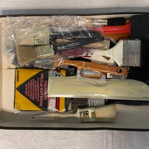 Lot # 121 Lot of Paintbrushes